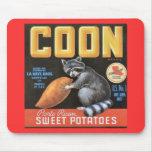 Coon etiqueta del vintage de las patatas dulces de alfombrilla de ratón