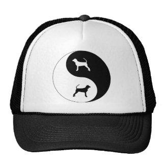 Coonhound negro y del moreno Yin Yang Gorros Bordados