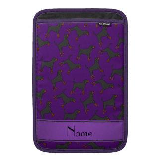 Coonhounds negros púrpuras conocidos funda  MacBook