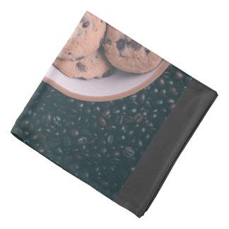 Coookies del microprocesador de chocolate en una bandanas