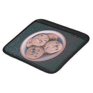 Coookies del microprocesador de chocolate en una mangas de iPad