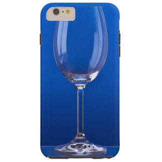 Copa de cristal con fondo azul luminoso funda de iPhone 6 plus tough