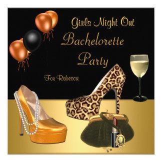 Copa de vino de los talones de los zapatos del oro invitacion personalizada