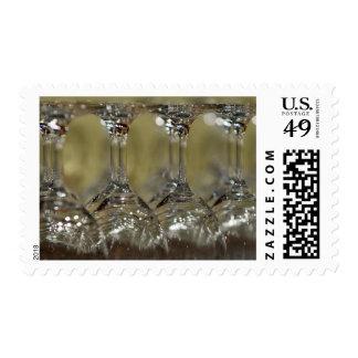 Copas de vino al revés timbre postal