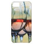 Copas de vino llenadas de la capilla del soporte funda para iPhone 5C