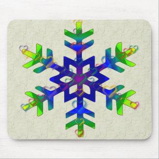 Copo de nieve de los corazones del arco iris mouse pads