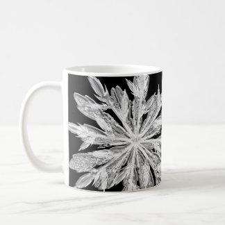 Copo de nieve del invierno de la astilla taza