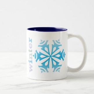Copo de nieve del invierno taza de dos tonos