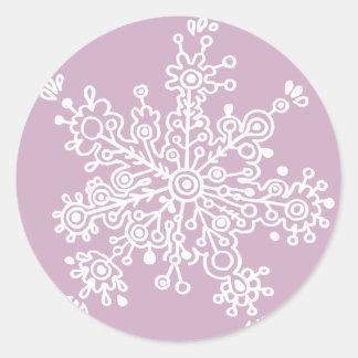 Copo de nieve (en purpúreo claro) pegatinas redondas