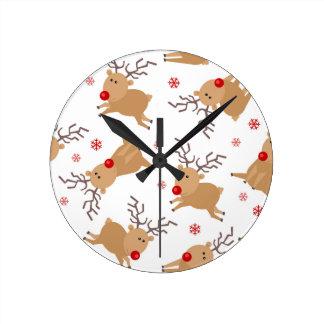 Copo de nieve rojo blanco del reno del modelo reloj redondo mediano