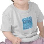 Copos de nieve azules de la onda camisetas