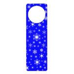 Copos de nieve - blanco en azul colgante para puerta