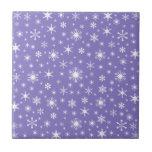 Copos de nieve - blanco en Ube Azulejo
