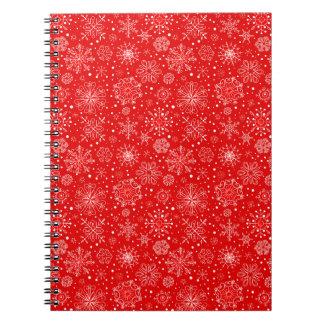 Copos de nieve blancos en el navidad rojo spiral notebooks