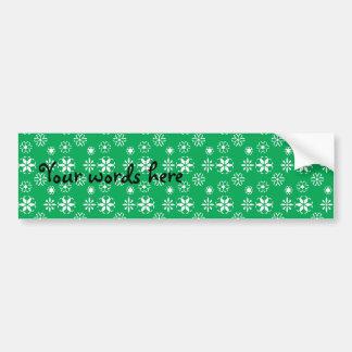 Copos de nieve blancos en verde pegatina de parachoque