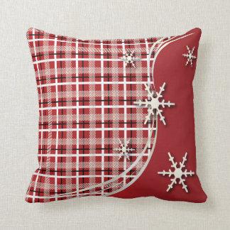 Copos de nieve de color rojo oscuro de la tela cojines