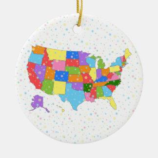 Copos de nieve de la diversión y mapa en colores adorno navideño redondo de cerámica