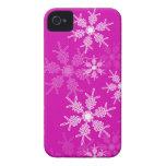 Copos de nieve de moda del navidad rosado y blanco iPhone 4 Case-Mate cobertura
