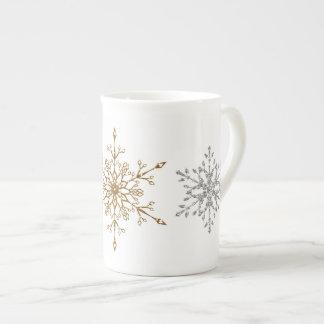 Copos de nieve del brillo de la plata y del oro taza de porcelana