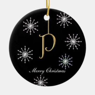 Copos de nieve del navidad del monograma P Ornamentos De Reyes