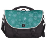 Copos de nieve en azul del invierno bolsas de portatil