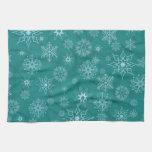 Copos de nieve en azul del invierno toallas de mano