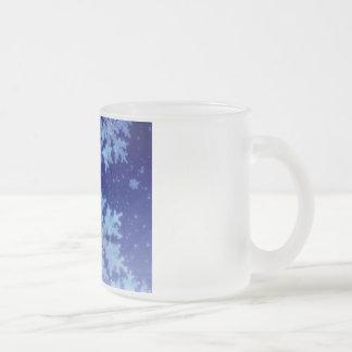 copos de nieve en azul tazas de café