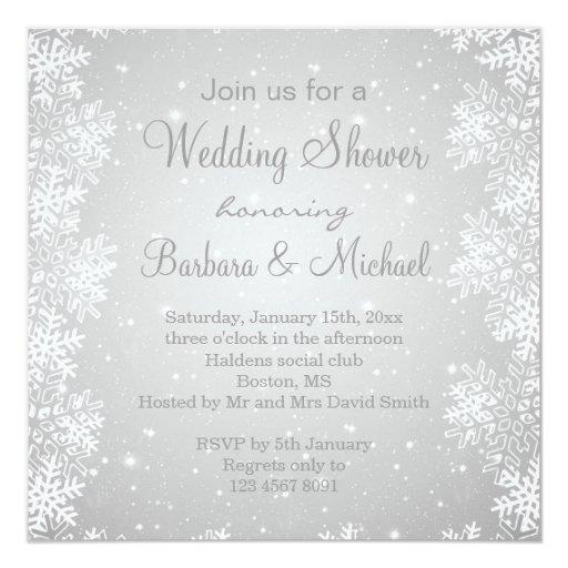 """Copos de nieve en ducha gris del boda del fondo invitación 5.25"""" x 5.25"""""""
