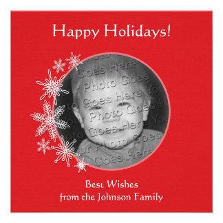 Copos de nieve en tarjeta roja de la foto comunicados personalizados