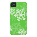 Copos de nieve lindos del navidad verde y blanco Case-Mate iPhone 4 protectores