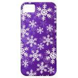 Copos de nieve púrpuras y blancos iPhone 5 protector