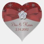Copos de nieve rojos del terciopelo y de la plata colcomanias corazon
