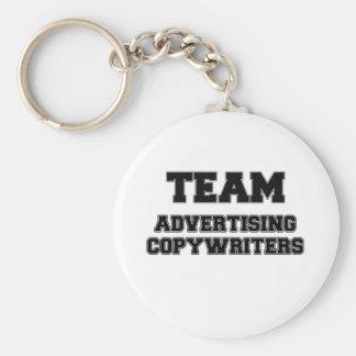 Copywriters de la publicidad del equipo llavero