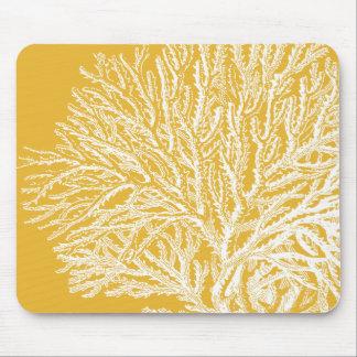 Coral amarillo y blanco alfombrilla de ratón