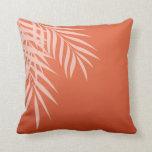 Coral de la silueta el | de la palmera de la playa cojin