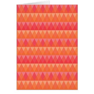 Coral geométrico moderno del modelo del triángulo tarjeta de felicitación
