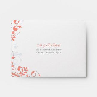 Coral, gris, sobres que se casan florales blancos