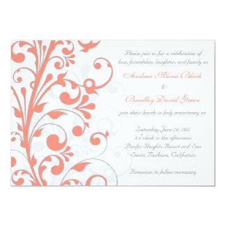 Coral, invitación floral del boda del blanco gris