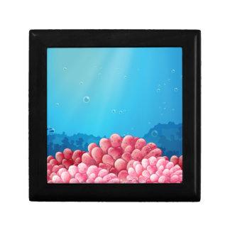 Corales rosados debajo del mar caja de regalo cuadrada pequeña