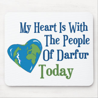 Corazón 2 de Darfur Tapetes De Ratones