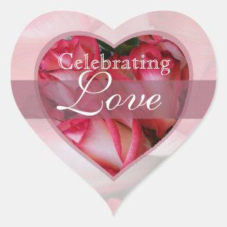 Corazón 2b de los rosas rojos y blancos pegatina corazón