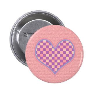 corazón a cuadros rosado pin redondo de 2 pulgadas