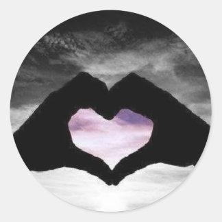 corazón a disposición etiquetas redondas