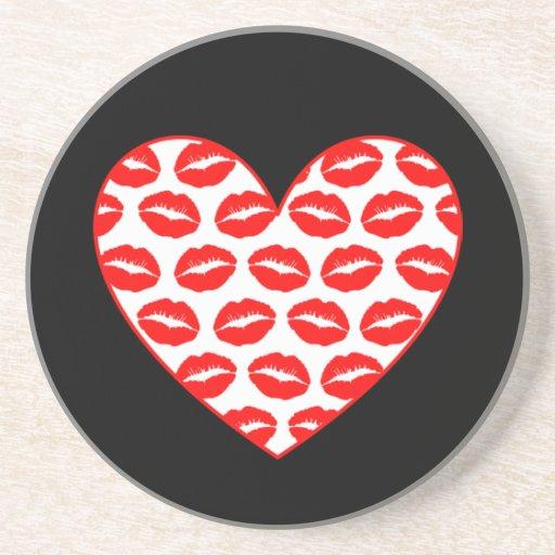 Corazón adaptable de los labios de Kissy Posavasos Cerveza