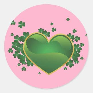 Corazón afortunado irlandés etiquetas redondas