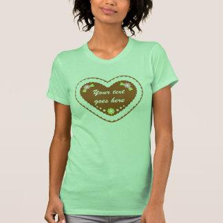Corazón alemán de encargo del pan de jengibre camiseta
