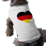 Corazón alemán de la bandera ropa de perro