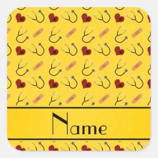 Corazón amarillo conocido de encargo del vendaje pegatina cuadrada