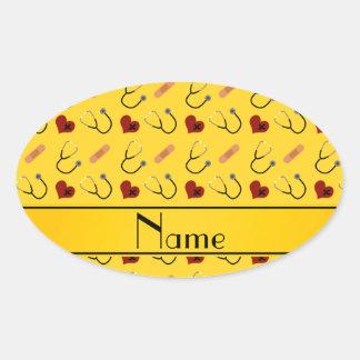 Corazón amarillo conocido de encargo del vendaje pegatina ovalada