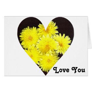 Corazón amarillo de las flores salvajes tarjeta de felicitación